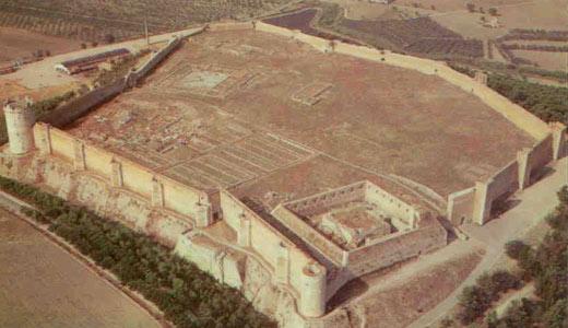 Lucera-(FG)_Castello-Angioi
