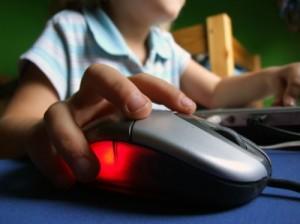 Navigazione internet dei ragazzi.