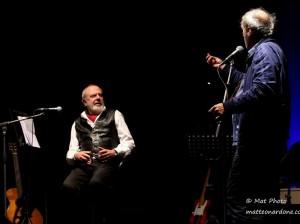 Il volo a cavallo di una scopa di Ernesto Bassignano.  Emozioni in musica al Teatro Ambra per la presentazione del nuovo Cd.