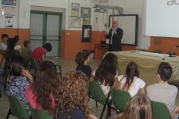 """Fragagnano 23 maggio, Scuola secondaria """"Toniolo"""", Incontro con l'Autore Cosimo Rodia"""