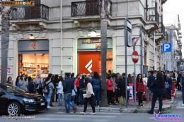 In fila alla Feltrinelli di Brindisi per Alessio Bernabei (3)