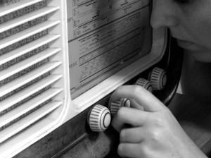 Abbassa la tua Radio