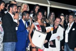 La premiazione di Valentina Colecchia e, alla sua sinistra, Giovanni Conversano e Rocco Pietrantonio