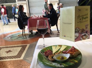 """""""Accomodati in Puglia"""": il flash mob dell'enogastronomia pugliese bissa a Verona"""