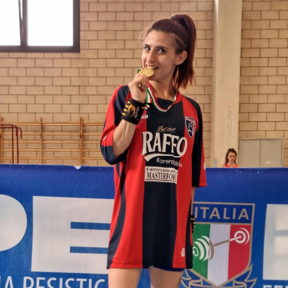 LUCIANA FINA NUOVA CAMPIONESSA ITALIANA DI DISTENSIONE SU PANCA